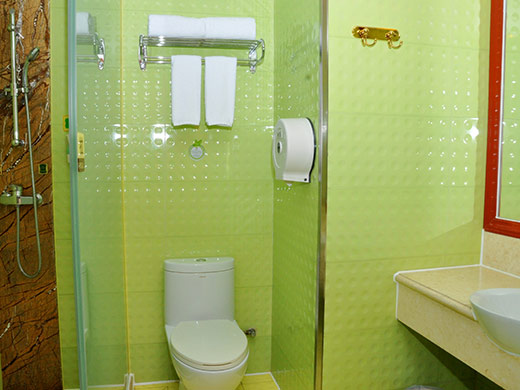 卫浴间及淋浴间