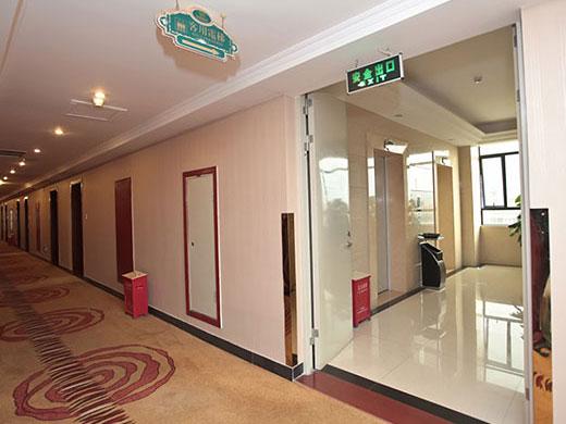 电梯间与走廊