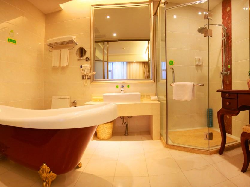豪华套间浴室