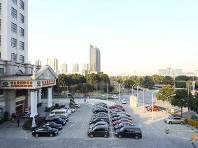 地面停车场
