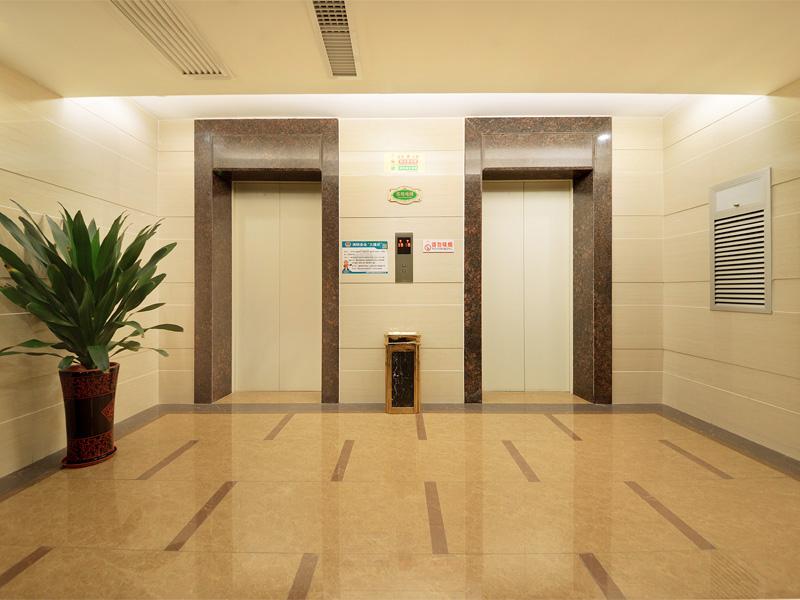 楼层电梯间