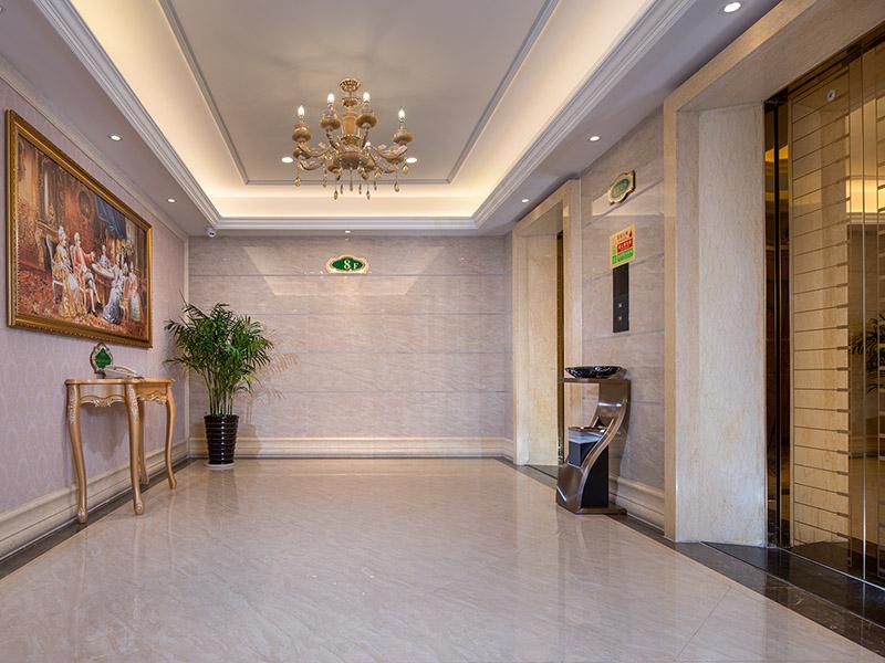 酒店电梯等候厅